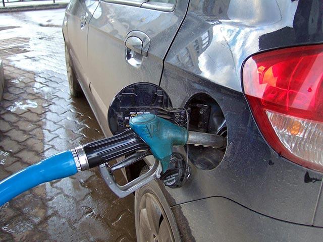 Бензин может подорожать в любой момент