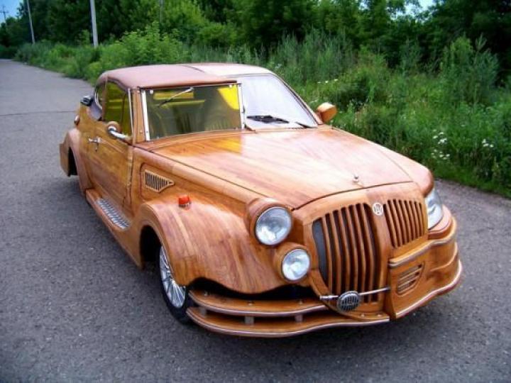Украинец выставил на продажу «дубовый» автомобиль ручной сборки