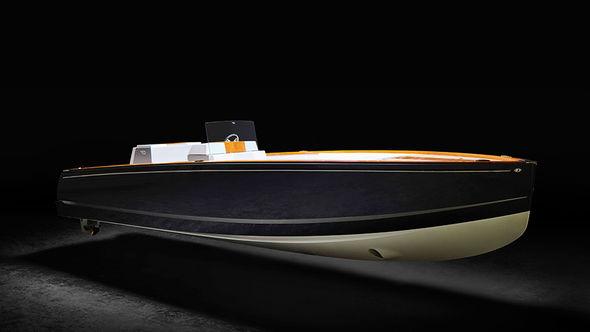 Представлена электрическая яхта с дальностью хода 64 км