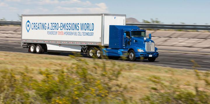 Водородные тягачи Toyota начнут работу в порту Лос-Анджелеса