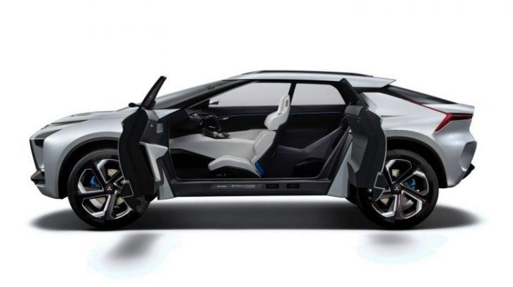 В Токио представили концепт электрического кроссовера Mitsubishi e-Evolution с тремя двигателями (фото)