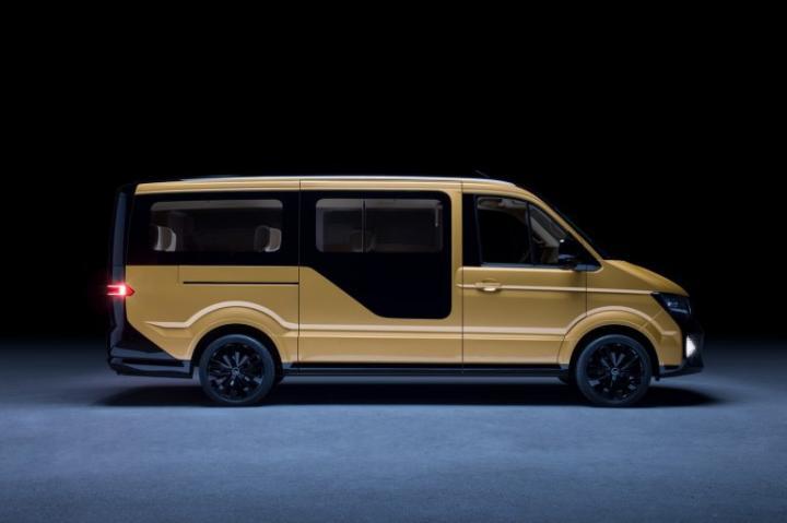 Volkswagen представил электрический минивэн MOIA (фото, видео)