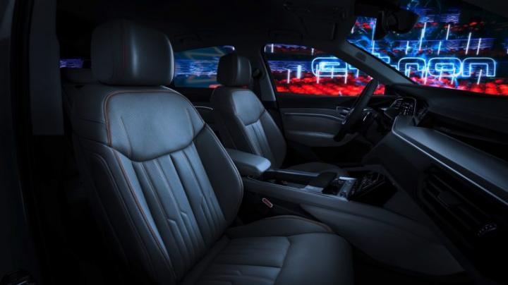 Audi показала внутренне убранство нового электрического кроссовера (фото)