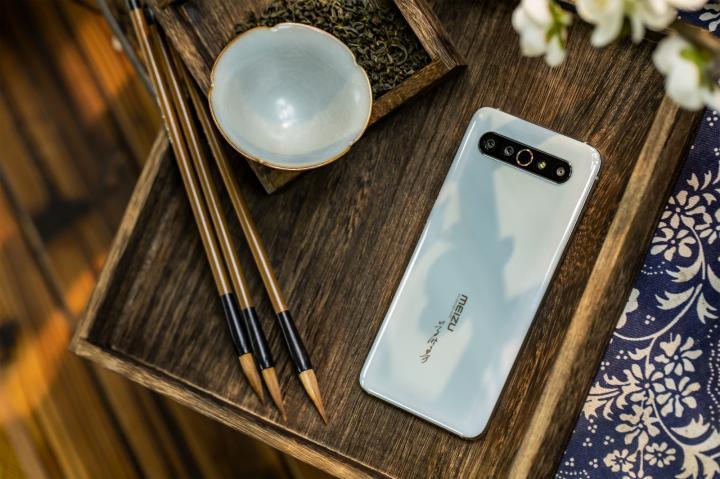 Meizu выпустила коллекционный керамический смартфон (фото)