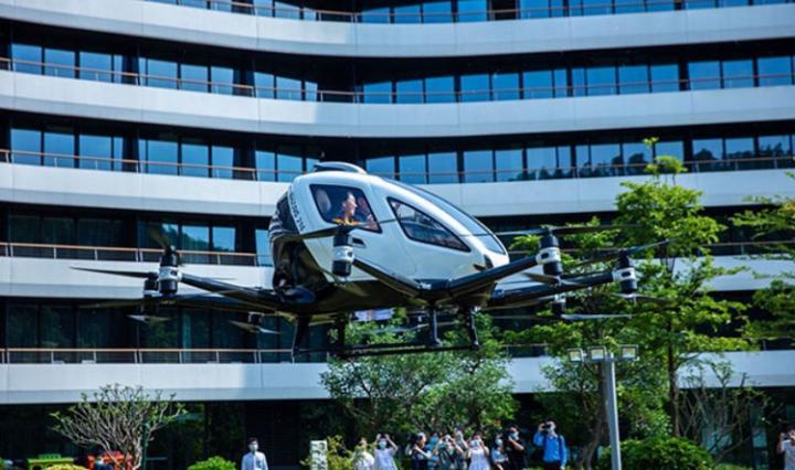 В этом году в Китае появится воздушный туризм на автономных аэротакси (фото)